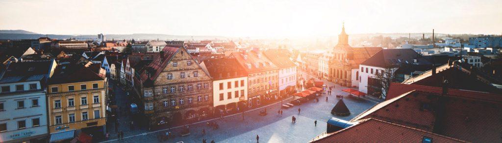Blick auf Bayreut vom Rathaus hinab